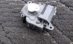 Сервопривод заслонок печки. Toyota Corolla Fielder, NZE141G, ZRE144G, NZE144G, ZRE142G