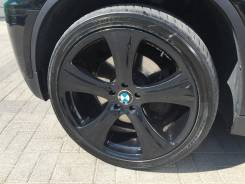 Диски с резиной R22 на BMW X6 285/35R22. 10.0x22 5x120.00 ЦО 74,1мм.