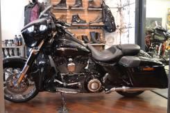 Harley-Davidson CVO Street Glide. 1 801 куб. см., исправен, птс, без пробега