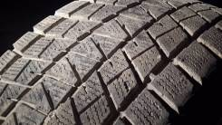Bridgestone Blizzak DM-Z3. Всесезонные, 2011 год, износ: 40%, 2 шт