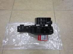 Крепление бампера. Honda Crossroad, DBA-RT4, DBA-RT3, RT3, RT4, RT1, RT2, DBA-RT2, DBA-RT1, DBART1, DBART2, DBART3, DBART4 Двигатели: R20A, R18A, R18A...