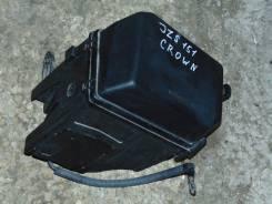 Блок предохранителей под капот. Toyota Crown, JZS151 Двигатель 1JZGE