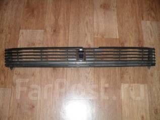 Решетка радиатора. Toyota Voxy, AZR60G