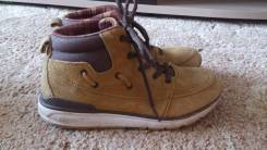 Ботинки. 34