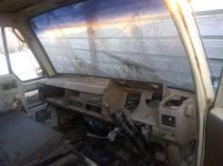 Кабина. Nissan Atlas, MGH40 Двигатель ED33