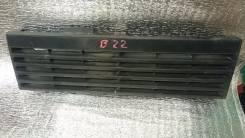 Решетка радиатора. Mitsubishi Pajero, V24W