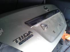 Крышка багажника. Nissan Tiida Nissan Latio