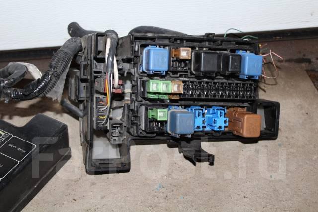 Блок предохранителей. Nissan Stagea, WHC34, WGNC34, WGC34