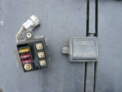 Блок предохранителей под капот. Toyota Land Cruiser, FJ80, FJ80G Двигатель 3FE