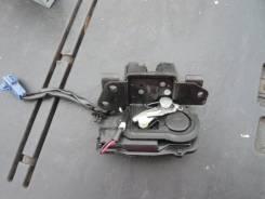 Замок крышки багажника. Toyota Prius, NHW20 Двигатель 1NZFXE
