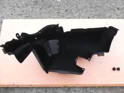 Обшивка багажника правая Lexus GS450h