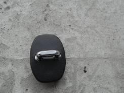 Ответная часть замка двери передней левой Lexus GS450h