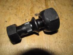 Шпилька ступицы. Mitsubishi Canter