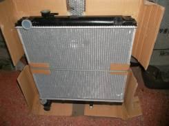 Радиатор охлаждения двигателя. Toyota Hiace Toyota Dyna
