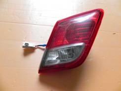 Фонарь внутренний правый Toyota Camry ACV40 2GRFE