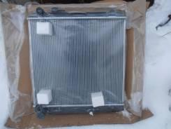 Радиатор охлаждения двигателя. Toyota Dyna Toyota Hiace