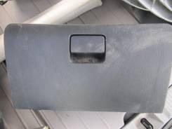 Бардачок. Toyota Voltz, ZZE136
