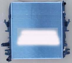 Радиатор охлаждения двигателя. Infiniti QX56