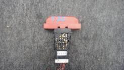 Кнопка включения аварийной сигнализации. Nissan X-Trail, NT30