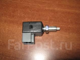 Концевик под педаль тормоза. Kia Bongo