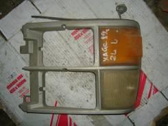 Ободок фары. Toyota Hiace, LH66 Двигатель 2L
