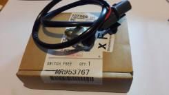 Датчик включения 4wd. Mitsubishi Pajero, V63W, V73W, V65W, V75W, V78W, V97W, V77W, V68W