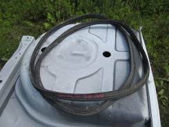 Уплотнитель двери багажника. Toyota Mark II Wagon Qualis, SXV20, SXV20W