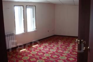 Офисные помещения. 15кв.м., проспект 100-летия Владивостока 103, р-н Столетие