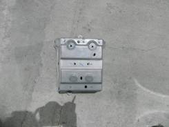 Кронштейн магнитолы Toyota Camry ACV40 2GRFE