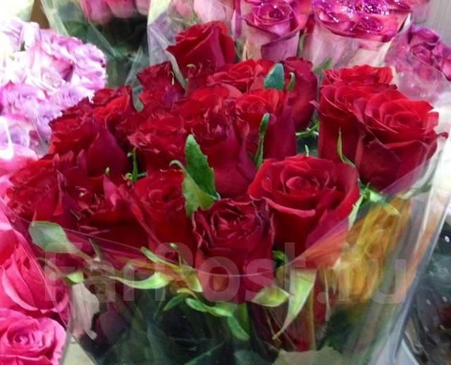tsvetov-dostavka-tsvetov-v-arteme-roza-dv-zrobiti-novorchniy-buket