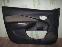 Обшивка двери. Toyota Yaris