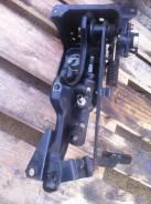 Педаль сцепления. Mitsubishi Fuso, FS54, FT50, FV50 Двигатели: 6M70, 6D40