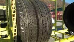 Pirelli. Зимние, без шипов, 2014 год, износ: 10%, 2 шт