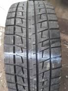 Bridgestone Blizzak Revo1. Зимние, без шипов, 2013 год, износ: 5%, 2 шт