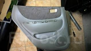 Обшивка двери. Toyota Corolla Spacio