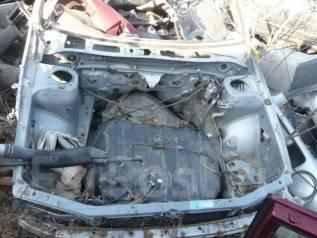 Передняя часть автомобиля. Subaru Impreza WRX STI, GC8 Двигатель EJ20