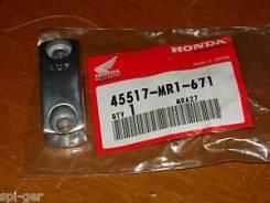 Крышка крепления , кронштейн сцепления и тормоза Honda 45517-MR1-671