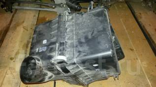 Корпус воздушного фильтра. Toyota RAV4 Двигатель 2GRFE
