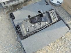 Обшивка багажника. Toyota Sienta, NCP81 Двигатель 1NZFE