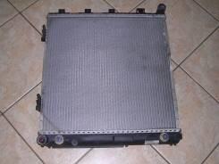 Радиатор охлаждения двигателя. Mercedes-Benz E-Class, W124 Двигатель 102