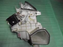 Корпус радиатора отопителя. Nissan Primera, P12