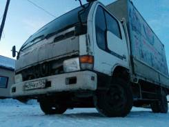 Nissan Atlas. , 4 600 куб. см., 3 000 кг.