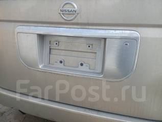 Рамка для крепления номера. Nissan Elgrand, ME51, E51, MNE51, NE51 Двигатели: VQ25DE, VQ35DE