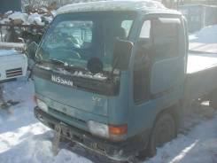 Кабина. Nissan Atlas, P8F23 Двигатель TD27