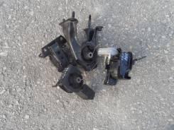 Подушка двигателя. Toyota WiLL VS, ZZE127 Двигатель 1ZZFE