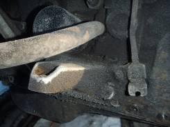 Кронштейн опоры двигателя. Toyota Mark II, GX90 Двигатель 1GFE