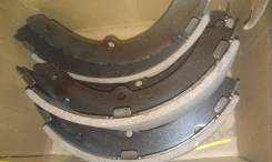 Колодка тормозная барабанная. Toyota Toyoace, BU306, BU346, XZU130, BU100, XZU340, BU132, XZU372, BU112, XZU421, XZU312, BU140, BU172, XZU320, XZU300...