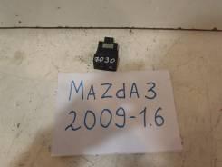 Кнопка обогрева сиденья Mazda 3 2009-2013
