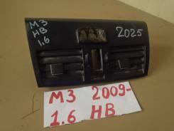 Дефлектор торпедо центральный 2009-2013 Mazda3