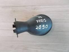 Кожух рулевой колонки нижний 2005- 1.3vvti Toyota Yaris